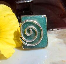 Anillo Verde Esmeralda Signo Del Zodíaco Tauro Piedra de Mai u Espiral