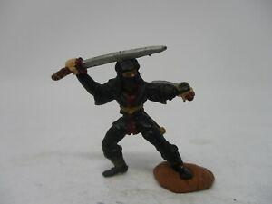 Grenadier Ral Partha Ninja Dungeons and Dragons Miniatures #100