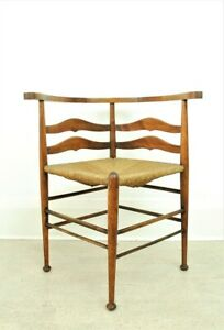 ANTIQUE  RUSH SEATED ARTS AND CRAFTS  CORNER CHAIR
