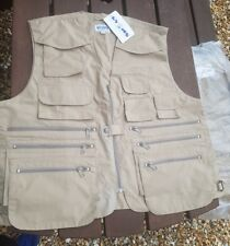 LYONS FLY VEST UNUSED SIZE LARGE