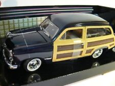 1/24 Motor Max Ford Woody Wagon 1949 schwarz 73260
