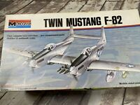 Twin Mustang F-82 1/72 Monogram 7501 Model Kit