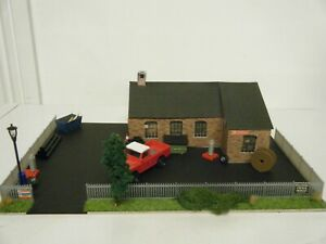 Model Railway Diorama of Warehouse 00 Gauge