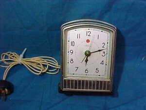 MIB 1930s Era TELECHRON CHROME Case Electric ALARM CLOCK