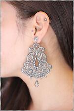 orecchini in pizzo macrame grigio pendenti artigianali  con strass e punto luce