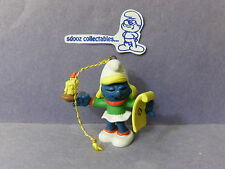 SMURF -- Christmas Gold Cord Ornament -- Smurfette Caroler w/ candle !!!
