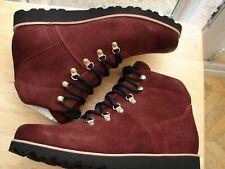 Genuine Ugg, hafstein mens boot. size 9. Brand new in box