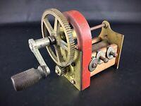 Rare ancienne dynamo à main manivelle - Outil pédagogique - objet de curiosité!