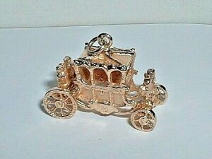 10K YELLOW GOLD 3D MOVEABLE CARRIAGE COACH PENDANT CHARM
