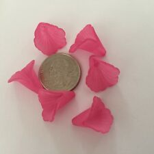 20 Gorgeous Bubblegum Pink 20mm Med Detailed Trumpet Flower Acrylic Bead
