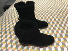 LADIES CLARKS BOOTS SIZE 5 BRAND NEW