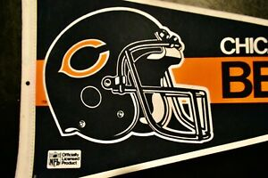 VINTAGE 1980's CHICAGO BEARS NFL FOOTBALL TEAM  PENNANT RARE UNIQUE