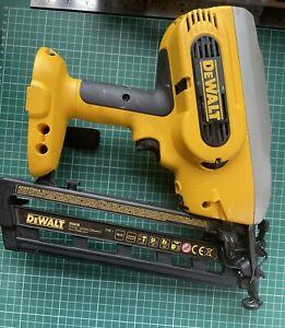 DeWalt DC618 18v Cordless Nail Gun With Box ,2x Dewalt Batteries, Charger, Nails