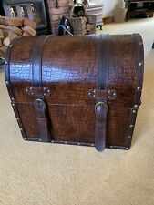 Vintage Style Faux Leather And Crocodile Skin Trunk With Faux Leather Straps