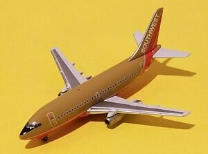 Gemini Jets 1:400 Southwest Airlines 737-200 Desert Gold Livery N93SW see Desc.