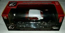 1:18 1967 Oldsmobile Cutlass 4-4-2 Convertible Black Red Interior Diecast Metal
