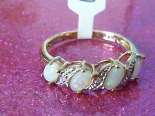 gold opal ring size M -NEW-