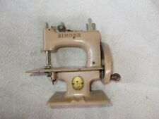 Vintage Singer Mini Sewing Machine 29962