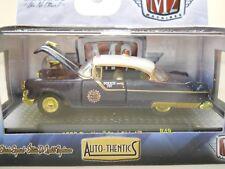 M2 MACHINES - AUTO-THENTICS - CHASE - 1955 PONTIAC STAR CHIEF POLICE CAR - 1/64