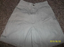 Women's shorts by Columbia Size 8 khaki