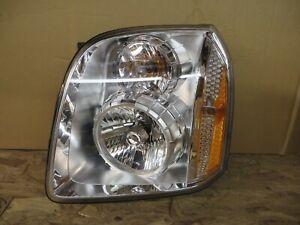 OEM # 25912221 GMC General Motors OEM new HEADLIGHT YUKON 2007 - 2014 denali OEM