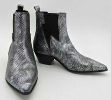 ASOS DESIGN Stacked Heel Western Chelsea Boots In Silver Snake - BBM17K3
