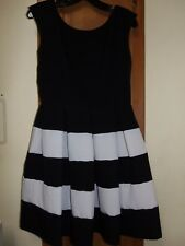 TIANA B. Black/White Sleeveless Scoop Neck Dress W/Hidden Zipper in Back-Size 4