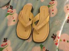 Ladies Shoes Size 6. Worthington Women's Flip Flops Shoes,size 6M ,beige.