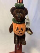Boyds Bears Halloween Wuzzies Bear Ornament Dressed As Pumpkin Tricky F. Wuzzie