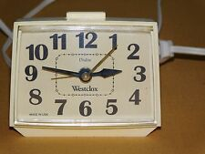 VINTAGE WESTCLOX DIALITE ELECTRIC NIGHT STAND TABLE ALARM CLOCK