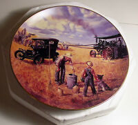 DANBURY MINT Collector Plate BOUNTIFUL HARVEST Farm Heartland  E. Kaye 1990 Gift