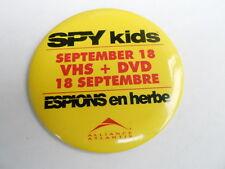 """VINTAGE 3 1/2"""" PINBACK BUTTON #59- 076 - SPY KIDS movie - SPANISH"""