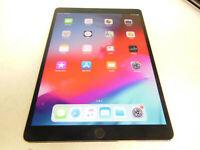 Apple iPad Pro (MQF32LL/A) a1709 64GB (Silver/Black)