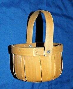 REALLY ADORABLE  Little Hand Made Wooden Basket~Durable As It Is CUTE~Many Uses