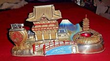 VINTAGE ASIAN ORIENTAL VILLAGE DIE CAST METAL TABLE LIGHTER & ASHTRAY SET JAPAN