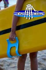 Carry surfboards easily The Claw surfboard carrier (blue)