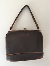 VINTAGE 1930-50'S BROWN LEATHER HAND BAG - NEEDS TLC