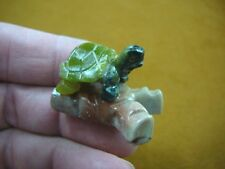 (Y-TUR-LA-106) baby GREEN serpentine Turtle FIGURINE on soapstone branch carving