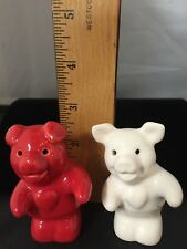 VINTAGE PIG SALT & PEPPER SHAKERS RED AND WHITE 🐷