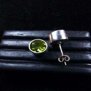 Ein Paar Ohrstecker mit Peridot, facettiert, 10x8mm, Silber 925