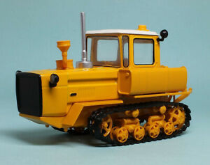 DT-175M Soviet Сrawler Tractor USSR 1994 Year 1/43 Scale Farm Vehicle