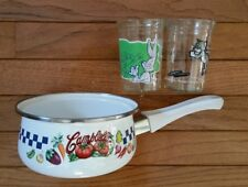 Vintage Campbell's Sauce Pan 1 Qt Porcelain Pan 1997 & 2 Welch's Comic Jars  c56
