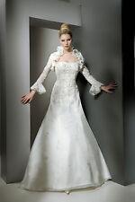 Brautkleid von Cosmobella Größe 38 in Ivory - unverändert, nie getragen