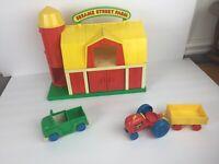 Vintage Illco Sesame Street Farm Set Tractor PVC Figures Animals Barn Playset