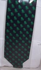 Frogs sitting Tie