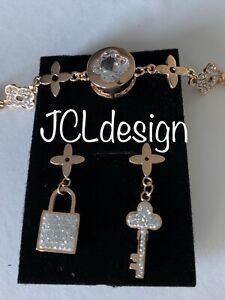 Luxury Fashion Famous Brand Women's Four Leaf Clover Sassy Earrings & Bracelet.