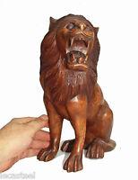 grand lion en bois sculpté - sculpture animalière