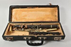 f84t33- Klarinette in Einzelteilen, im Koffer