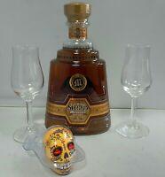 Sierra Tequila Milenario Extra Anejo mit Gläsern und Salzstrreuer
