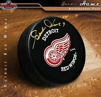 GORDIE HOWE Signed Detroit Red Wings Puck